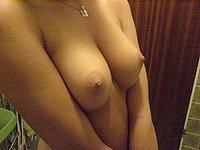Sexy Luder l�sst sich geil ficken und voll Sperma wichsen