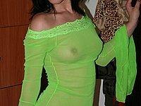 Scharfe junge Frau zeigt ihren geilen nackten K�rper