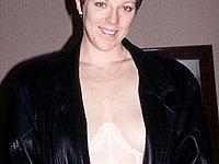 Ehefrau nackt und privat beim Sex