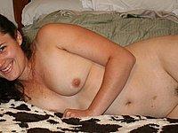 Frau von nebenan mit unrasierter Muschi