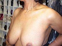 Ehefrau mit sch�nen prallen Br�sten