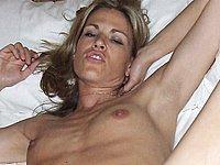 Geile blonde Sau nackt und beim Sex