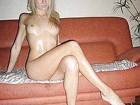 Junge Blonde zeigt ihren absolut scharfen K�rper