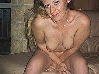Nackt hausfrauen privat Nackt und
