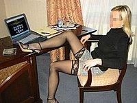 Blonde scharfe Sekret�rin nackt