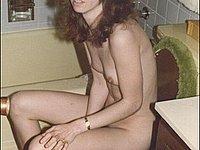 Geile Ehefrau zeigt sich privat nackt