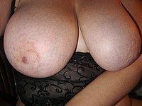 Mega dicke Titten und eine feuchte Muschi - Fotos einer geilen Lehrerin