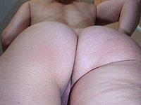 Scharfe Lehrerin (39) zeigt ihre rasierte Muschi