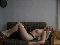 Sch�ne Frau mit geilen Titten ganz privat